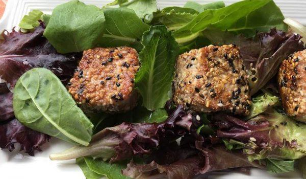 Scrumptious Seared Sesame Tuna with Mixed Greens